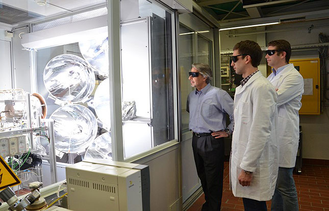 Solar reactor and researcher team